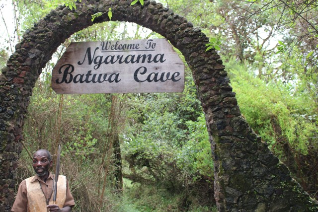 Batwa-cave-mgahinga